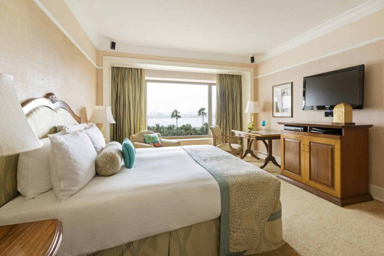 weekly hotel room rentals near me